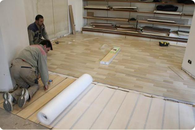 Casa immobiliare accessori pavimenti in legno flottanti - Parquet su piastrelle ...